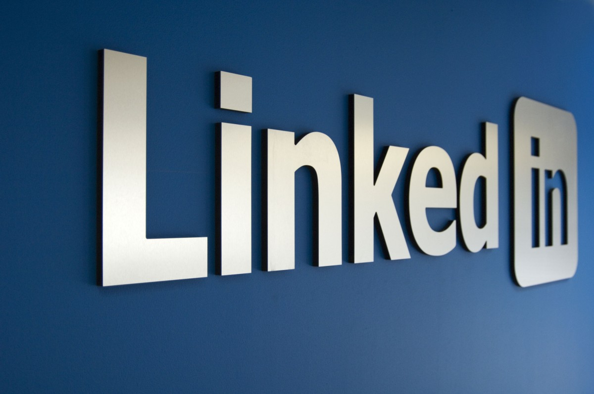 How to Use LinkedIn to Recruit Top Talent