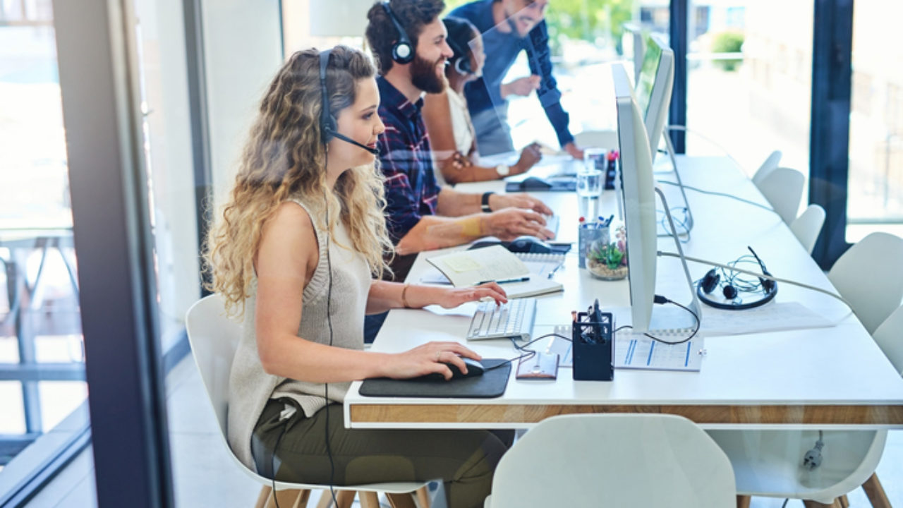 How to Set Up a Call Center for Exceptional Retail Customer Service
